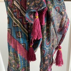 URBAN OUTFITTERS BOHEMIAN SCARF